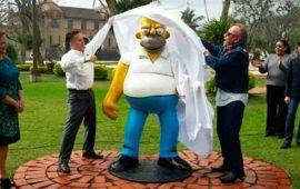 inauguran-la-primera-estatua-de-homero-simpson-en-mexico