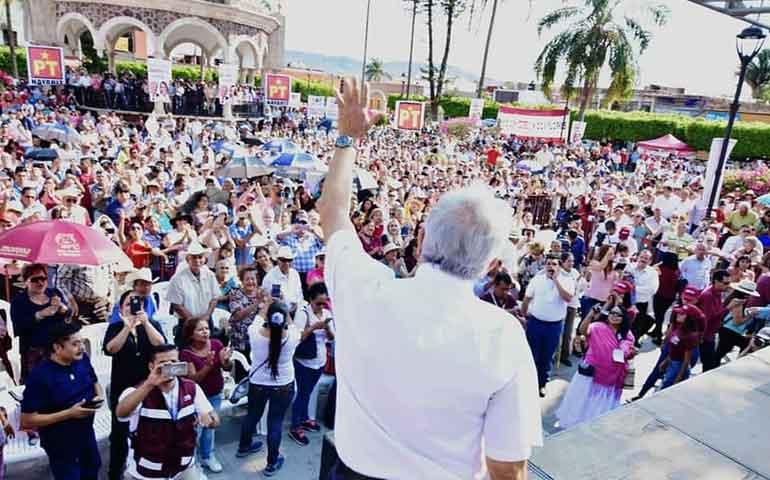 amlo-promete-cancelar-gasolinazos-y-dar-pension-70-y-mas-para-salinas