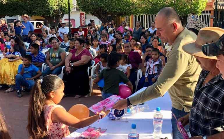 en-nayarit-la-educacion-es-prioritaria-javier-mercado