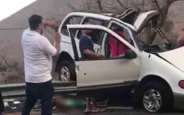 fallecen-nueve-miembros-de-una-familia-en-accidente-automovilistico