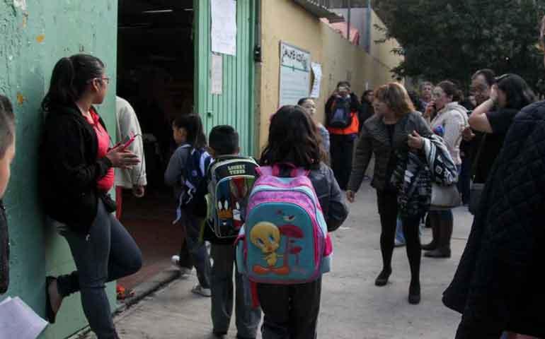 hoy-190-mil-alumnos-regresan-a-clases-en-nayarit