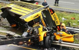 accidente-de-autobus-escolar-en-eu-deja-al-menos-dos-muertos