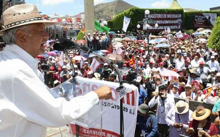 amlo-reclama-a-maestros-falta-de-apoyo-en-2012