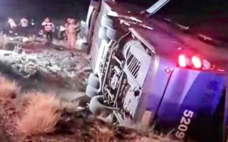 camionazo-deja-seis-muertos-y-20-heridos-en-sonora