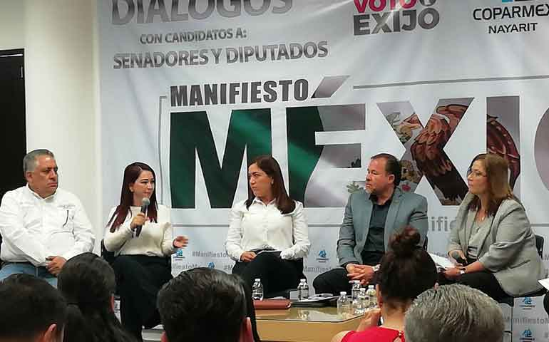gloria-nunez-participo-en-dialogos-manifiesto-mexico