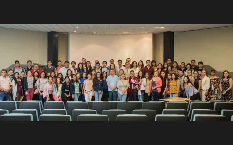 recibe-la-uan-a-102-estudiantes-del-programa-delfin