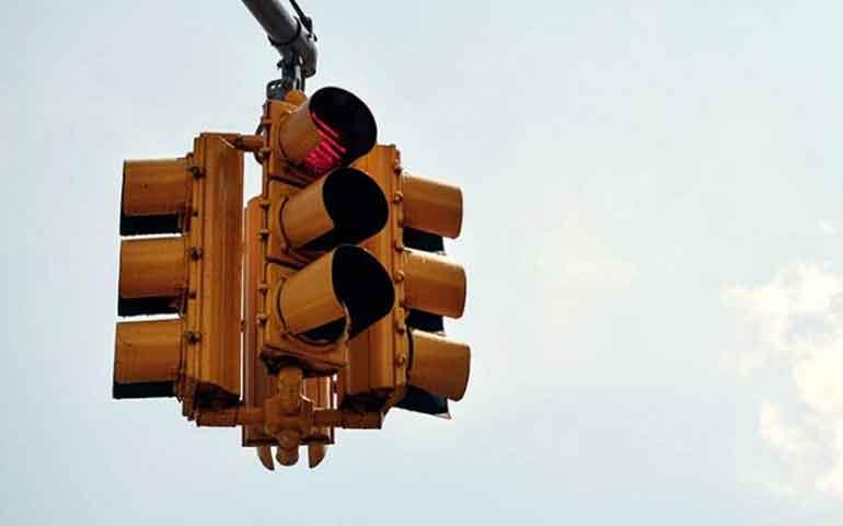reduciran-tiempo-de-semaforos-en-rojo-para-evitar-robos-en-chile