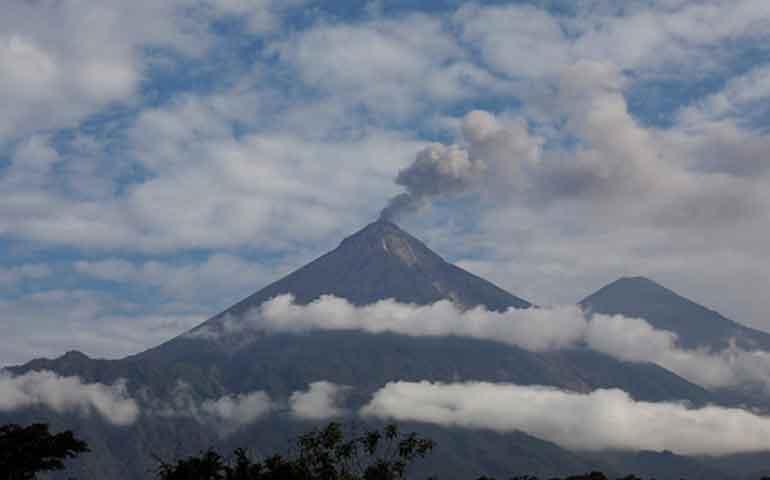 suben-a-75-los-cuerpos-identificados-de-victimas-por-erupcion-en-guatemala