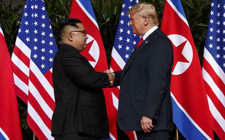 trump-y-kim-jong-un-se-reunen-por-primera-vez