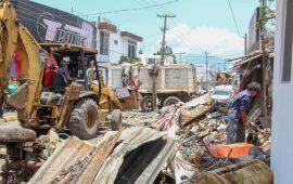 atienden-vivienda-llena-de-basura-en-la-calle-allende