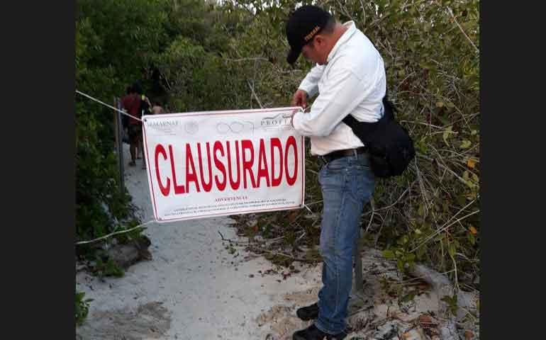 clausuran-camino-usado-por-surfistas-en-punta-mita
