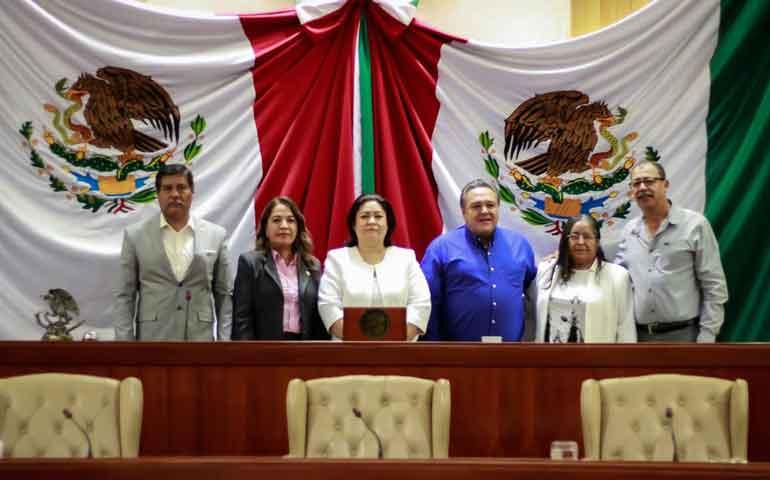 ratifica-congreso-a-secretaria-de-la-contraloria-general-del-estado