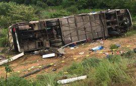 se-esconden-duenos-de-camion-accidentado-en-la-autopista-jala-compostela