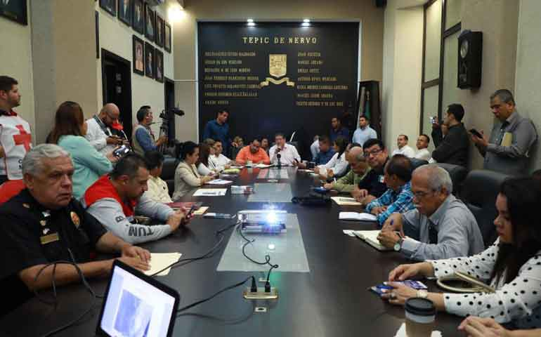 en-sesion-permanente-consejo-municipal-de-proteccion-civil-de-tepic