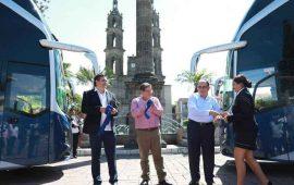 javier-castellon-inaugura-nueva-linea-de-autobuses