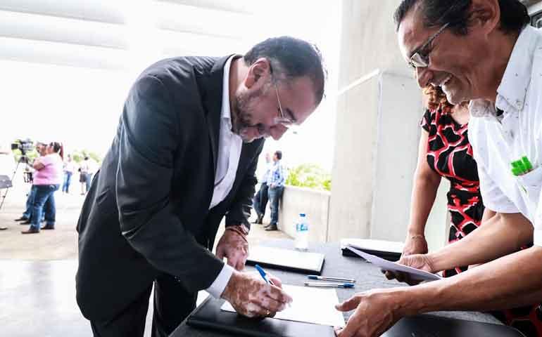 participa-congreso-en-firma-del-acuerdo-por-la-transparencia-y-combate-a-la-corrupcion