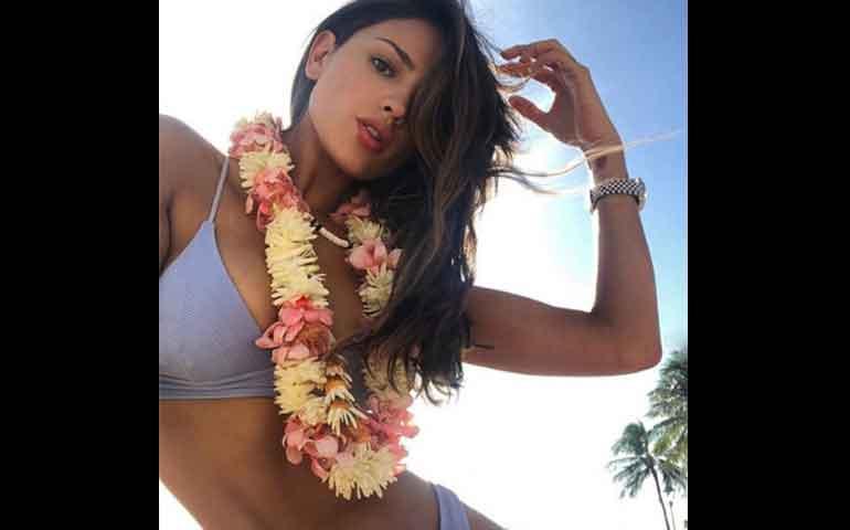 eiza-gonzalez-dice-aloha-hawaii-en-bikini