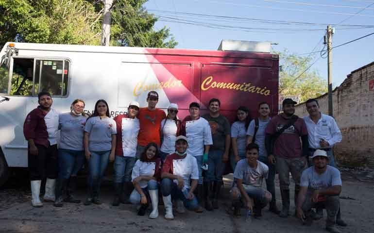 universidad-vizcaya-de-la-americas-junto-con-fundacion-vizcaya-a-c-brindan-apoyo-a-los-damnificados-en-el-municipio-de-tuxpan-nayarite114