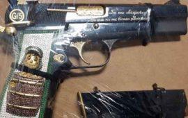 delincuentes-usan-pistolas-con-imagen-del-chavo-del-8