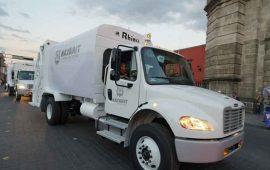 javier-castellon-recibe-5-camiones-para-recoleccion-de-basura
