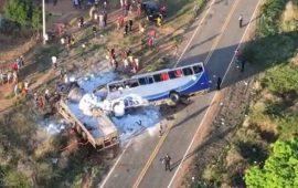 tragedia-en-brasil-5-muertos-y-25-heridos-tras-choque-de-autobuses