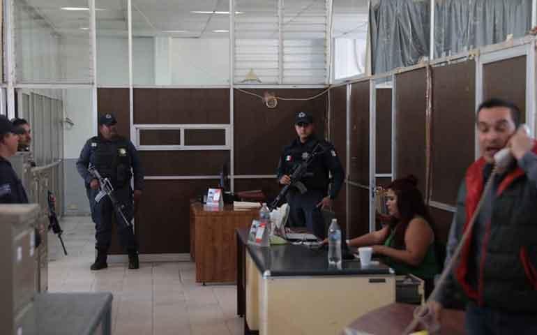 toman-oficinas-de-transito-tras-detencion-de-directora
